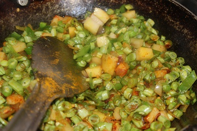 beans-potato-mezhukkupuratti4