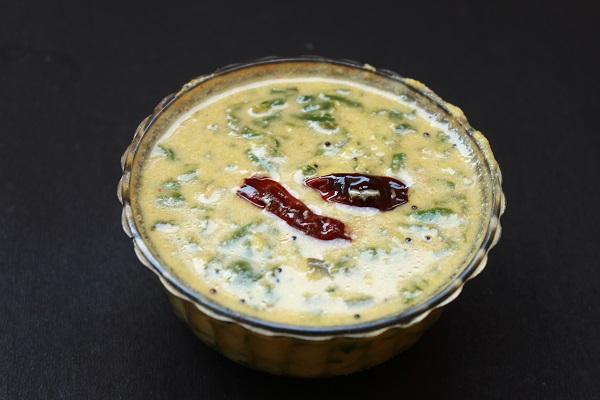dal palak curry