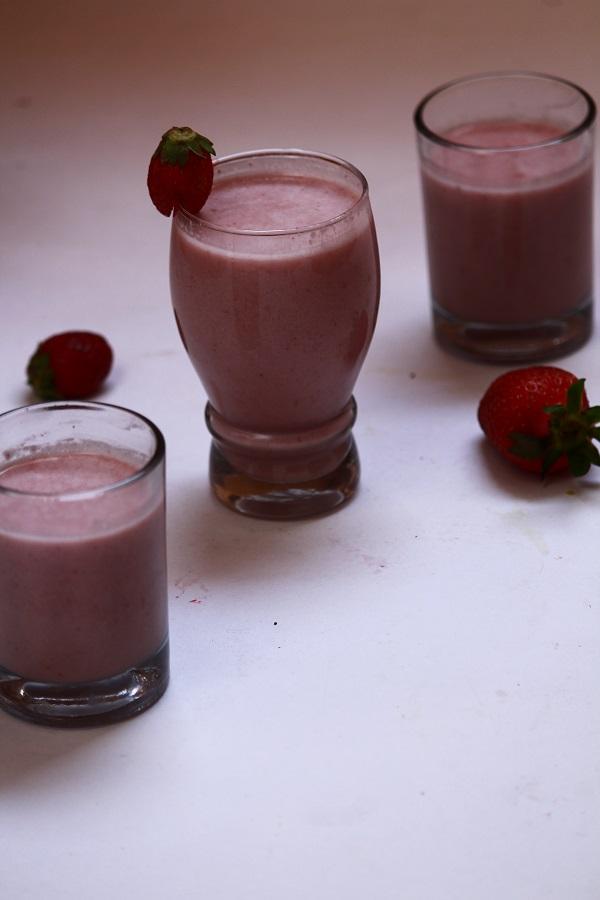 strawberry oats milkshake recipe