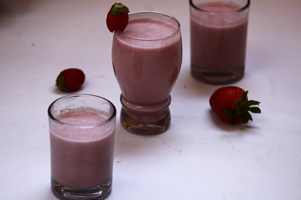 strawberry oats milkshake