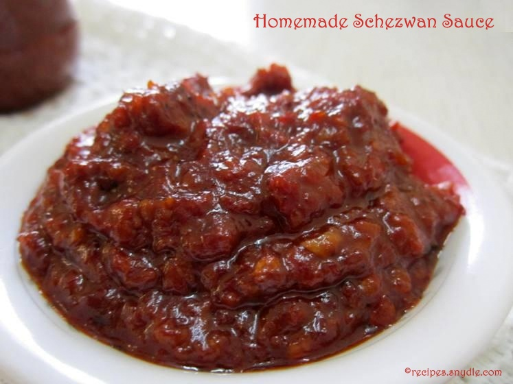 Homemade Schezwan Sauce Recipe / Homemade Schezwan Chutney Recipe