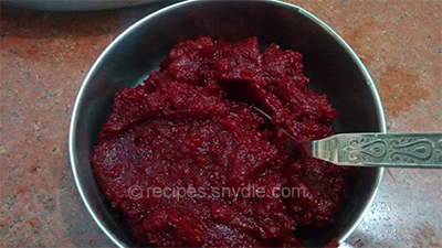 healthy beetroot cake paste