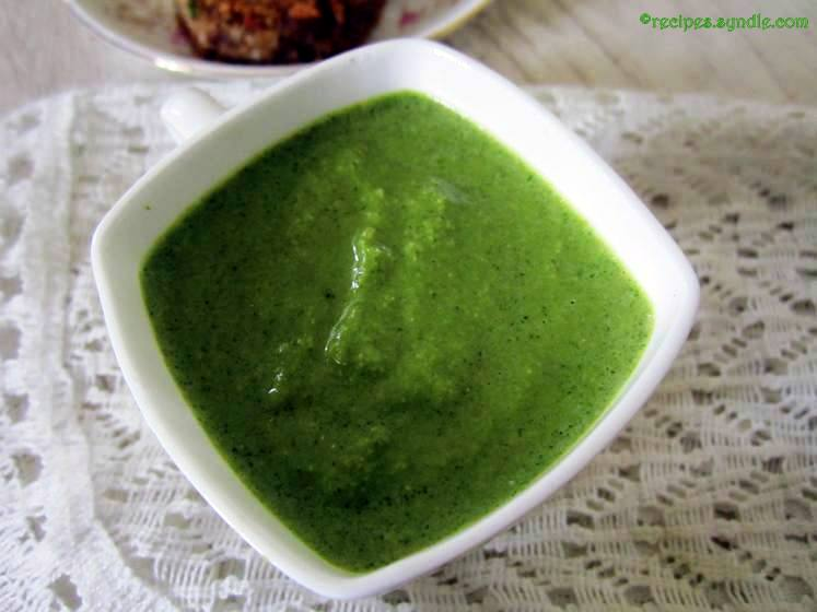 Mint Chutney for Tandoori Dishes / Pudina Chutney Recipe