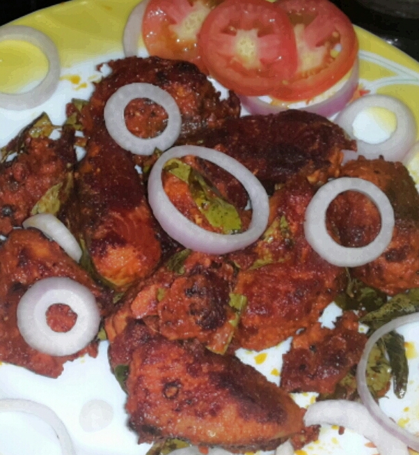 Tuna fish fry chura fish fry nadan rethiyil varuthathu for Sides to bring to a fish fry