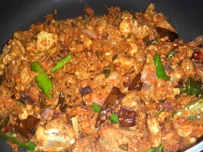 Chicken Thoran (Kozhi Thoran)