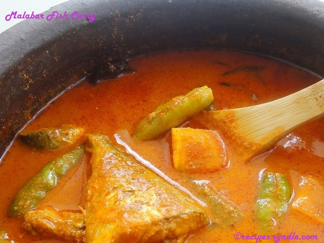 Malabar Fish Curry With Coconut Paste (Thenga Aracha Malabari Meen Curry)