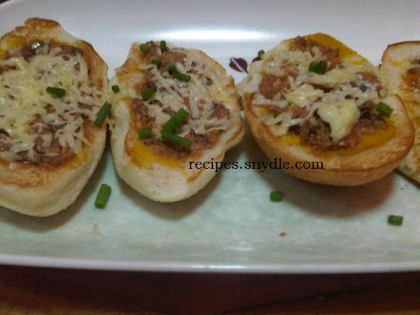 Sardines Pandesal Pizza