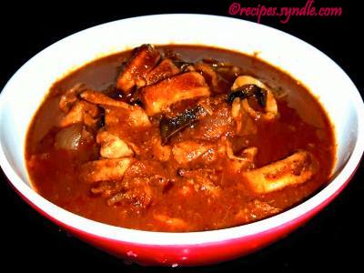 Nadan Koonthal Curry - Squid in Roasted Coconut Gravy
