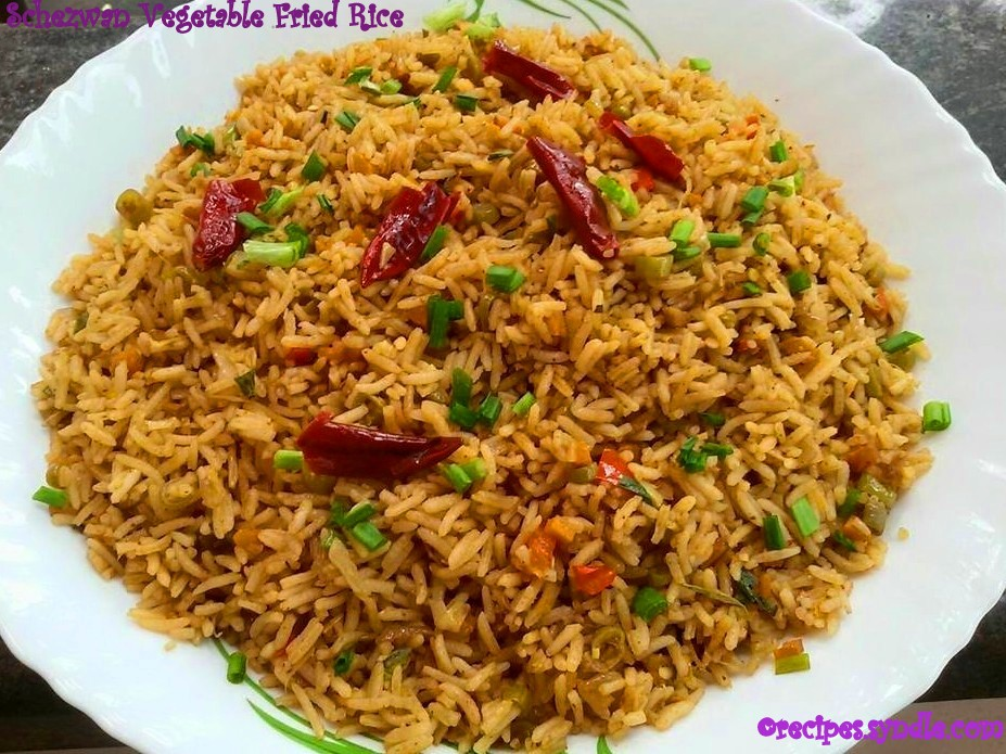 Schezwan Fried Rice - Indo Chinese Recipe - Yummy Recipes