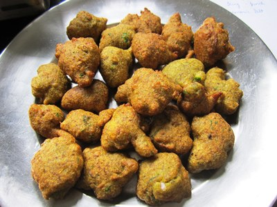 moong dal ke pakode recipe
