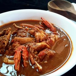 Crab In Roasted Coconut Gravy/ Varutharacha Njandu Curry