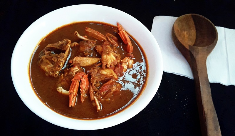 Crab In Roasted Coconut Gravy