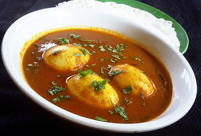 Egg curry - Yummy Re