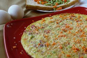 Vegetable egg bread omelet / cheesy omelet