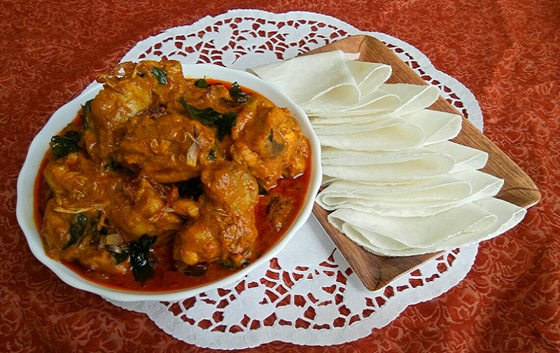 kerala style pathiri and chicken curry