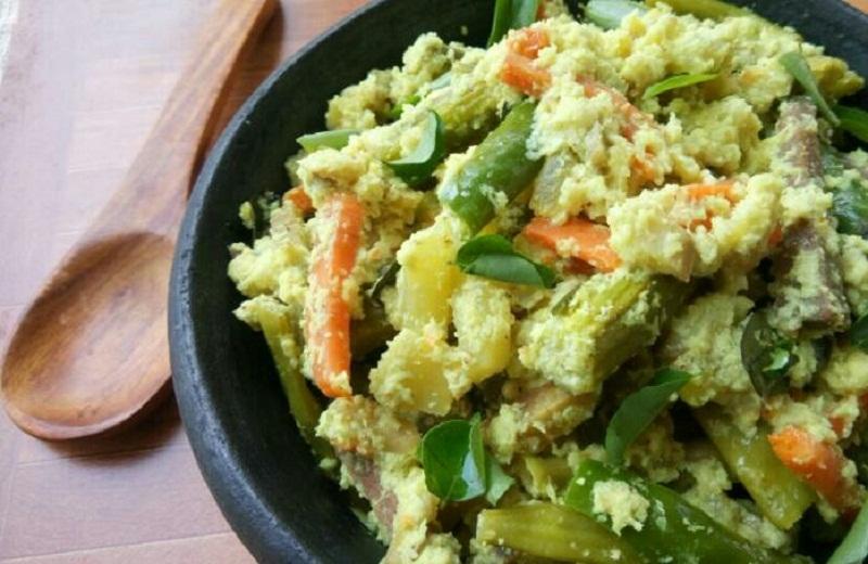 Kerala Avial - Kerala Sadya Style Avial or Aviyal Recipe