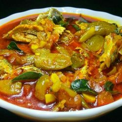Kerala Style Irumban Puli Meen Curry - Fish Curry with Bilimbi