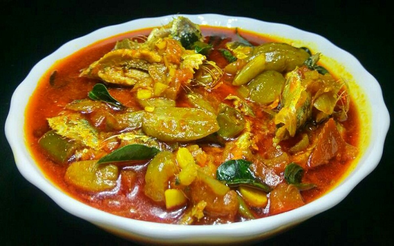 Kerala Style Irumban Puli Meen Curry - Fish Curry with